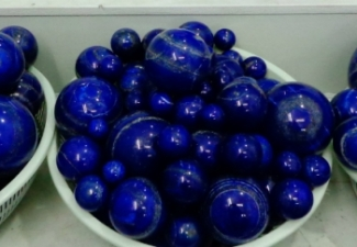 26- Lapis Balls